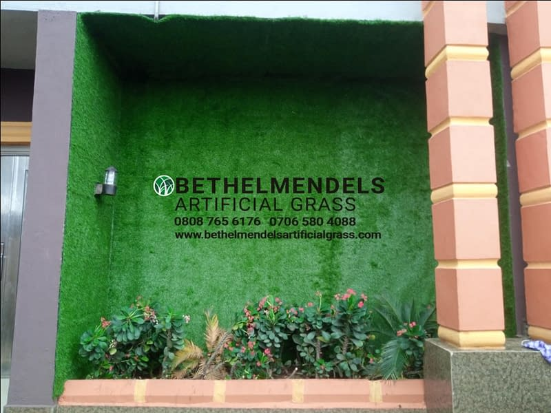 Beautifying Your Walls With Artificial Grass