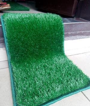 Artificial grass foot mat